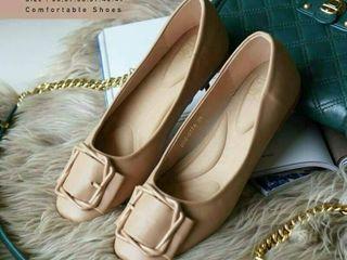 รองเท้าคัทชูทรงสวย