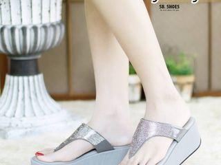 รองเท้าเพื่อสุขภาพคุณภาพเหมือนแบบ  ลำลองคีบใส่สบายฝุดๆ