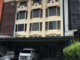 อาคารพาณิชย์ 3.5 ชั้น 96 ตรว.ติดถนน นวมินทร์ 64/1