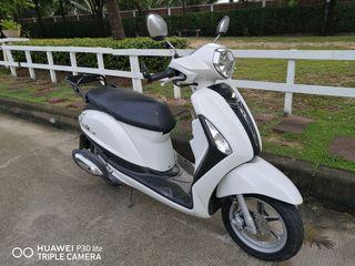 Yamaha Filano สีขาว
