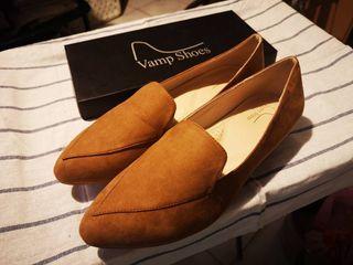 ขายร้องเท้าผู้หญิงยี่้่ห้อ Vamp Shoes Size 8 หรือ Size 40