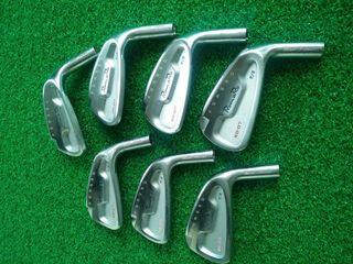 Golf iron head set