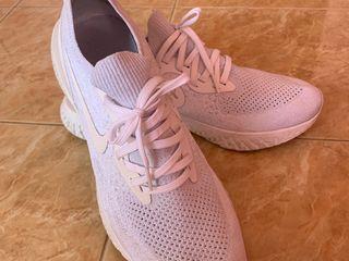 รองเท้าnike epic