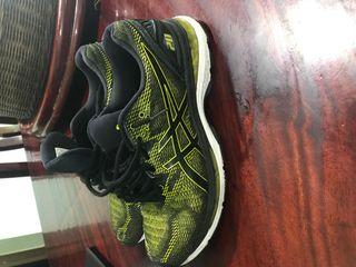 รองเท้าวิ่งasics gel20
