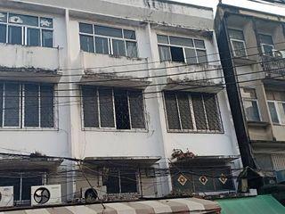 ตึกแถว 3 ชั้น 3 ตึก