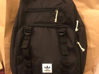 กระเป๋าAdidas.