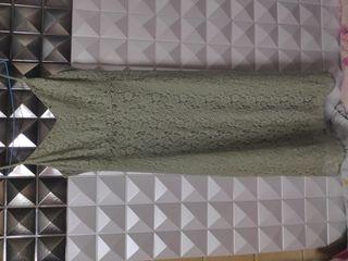 เดรสลายลูกไม้สีเขียว