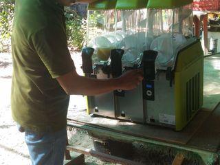 เครื่องทำเกล็ดน้ำแข็ง(Slurp Machine)ชนิด 3 โถ ยีห้อ ELMECO