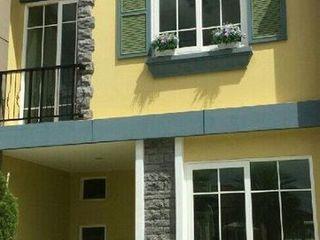 ทาวน์โฮม2ชั้นให้เช่า 3ห้องนอน2ห้องน้ำเป็นบ้านใหม่อยู่ห่างเดอ
