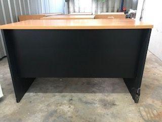 ขายโต๊ะทำงานสีน้ำตาลดำ ขนาด 60x120x75cm.
