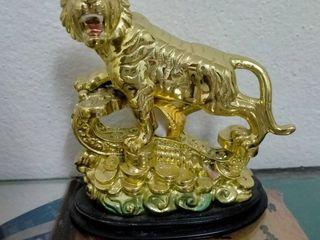 เสือ เยียบเหรียญ เสริมดวง