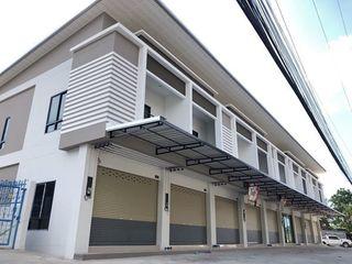 ขายอาคารพาณิชย์ ทำเลสุดฮิต ในอมตะ-ชลบุรี ราคาทาวน์โฮม