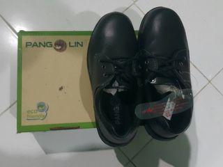 รองเท้าเซฟตี้หัวเหล็ก เบอร์ 6 รองเท้า Safety pangolin