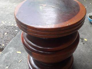 เก้าอี้ไม้ซุงกลึง มี4 ล้อทำด้วยเหล็ก มือสอง