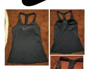 เสื้อกล้าม ออกกำลัง Nike ของแท้ สภาพดี ไม่ตำหนิ