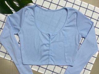 เสื้อครอป แขนยาวสีฟ้า