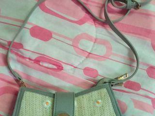 กระเป๋าสะพายข้าง (ผู้หญิง)