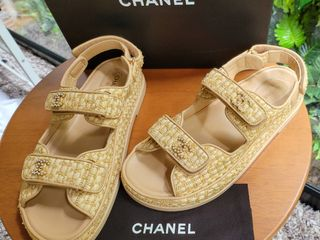 Used once like new Chanel Sandals สีเบจ size 40 ใหม่กริ๊บ