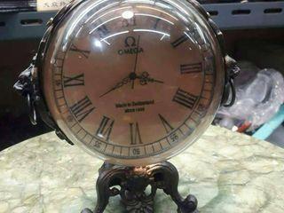 นาฬิกาโอเมก้าลูกแก้วใขลาน