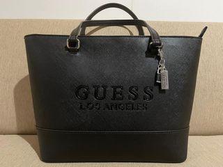 กระเป๋าถือguess สีดำ