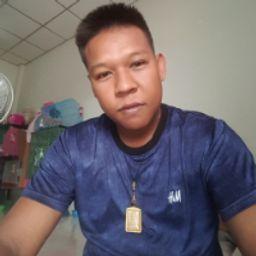 รูปโปรไฟล์ของ พนม ป้อมเช้า